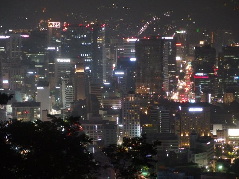 Vue sur la ville de Séoul depuis la Sky Tower (Corée du sud) 20 juin 2016 © Tango tout horizon
