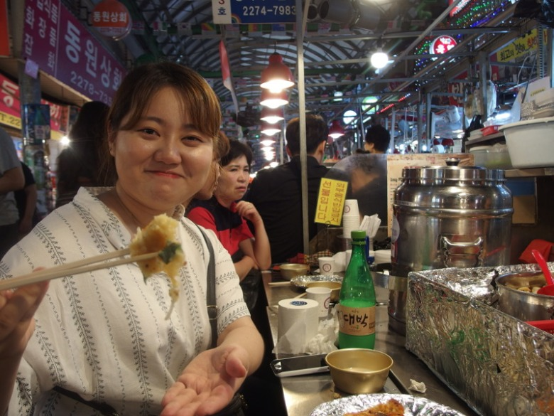 Food market à Séoul (Corée du Sud) 16 juin 2016 © Tango tout horizon